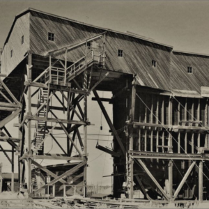 Coal Tipple, East Coulee, AB